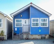 Snaptrip - Last minute cottages - Tasteful Gurnard Cottage S72133 -