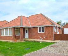 Snaptrip - Last minute cottages - Superb Hunmanby Gap Cottage S71550 -