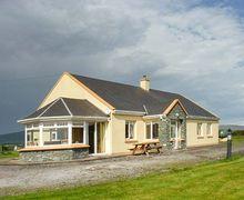 Snaptrip - Last minute cottages - Excellent  Cottage S74718 -