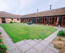 Snaptrip - Last minute cottages - Captivating Dereham Cottage S17172 -