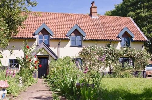 Snaptrip - Last minute cottages - Attractive Dereham Cottage S17180 -