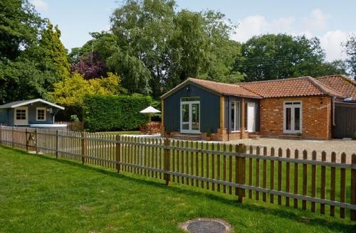 Snaptrip - Last minute cottages - Wonderful Dereham Cottage S17183 -