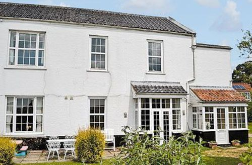 Snaptrip - Last minute cottages - Splendid Fakenham Apartment S17206 -