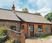 Snaptrip - Last minute cottages - Stunning Fakenham Cottage S17207 -