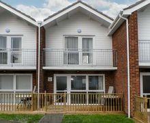 Snaptrip - Last minute cottages - Excellent Lowestoft Villa S2664 -