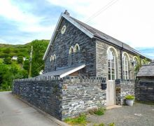 Snaptrip - Last minute cottages - Captivating Abergynolwyn Rental S13194 -