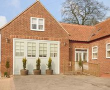 Snaptrip - Last minute cottages - Luxury Sledmere Rental S25688 -
