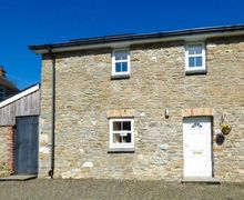 Snaptrip - Last minute cottages - Quaint Llanllwni Cottage S33613 -