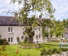 Snaptrip - Last minute cottages - Tasteful Middleton By Youlgrave Rental S13174 -