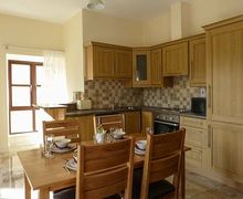 Snaptrip - Last minute cottages - Superb Boyle Apartment S33833 -