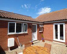 Snaptrip - Last minute cottages - Gorgeous Mundesley Cottage S37212 -