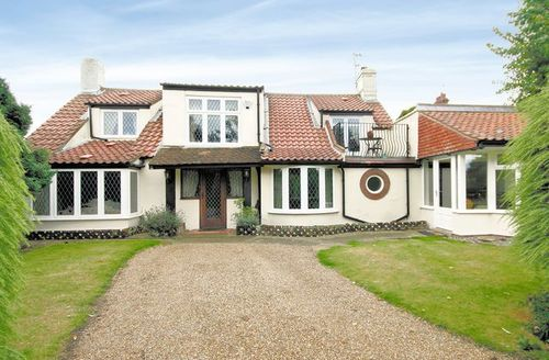 Snaptrip - Last minute cottages - Attractive Great Yarmouth Cottage S17239 -
