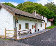 Snaptrip - Last minute cottages - Delightful Burry Port Cottage S6330 -