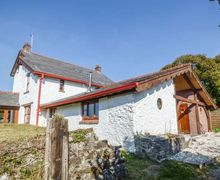 Snaptrip - Last minute cottages - Tasteful Burry Port Cottage S45025 -