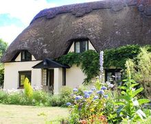 Snaptrip - Last minute cottages - Stunning East Dorset Cottage S37487 -