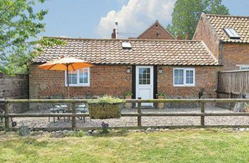 Snaptrip - Last minute cottages - Inviting Happisburgh Cottage S17280 -
