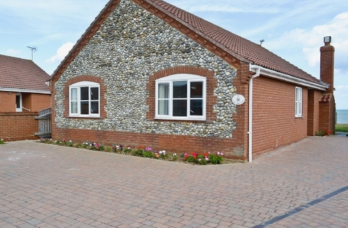 Snaptrip - Last minute cottages - Inviting Happisburgh Cottage S17284 -