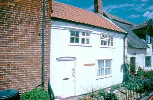 Snaptrip - Last minute cottages - Gorgeous Happisburgh Cottage S17305 -