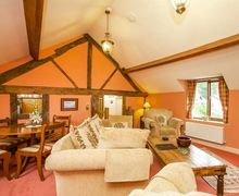 Snaptrip - Last minute cottages - Lovely Llanfyllin Cottage S75239 -