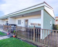 Snaptrip - Last minute cottages - Splendid Bacton Cottage S76039 -
