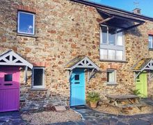 Snaptrip - Last minute cottages - Tasteful Marhamchurch Cottage S76778 -