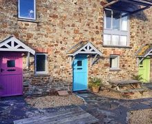 Snaptrip - Last minute cottages - Splendid Marhamchurch Cottage S76777 -