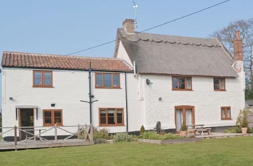 Snaptrip - Last minute cottages - Quaint Happisburgh Cottage S17320 -