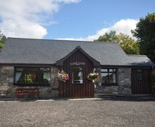 Snaptrip - Holiday cottages - Charming Fort William Cottage S7403 -