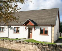 Snaptrip - Holiday cottages - Superb Aviemore Bungalow S7421 -