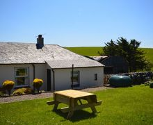 Snaptrip - Last minute cottages - Excellent Girvan Cottage S7434 -