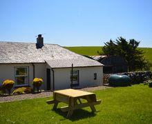 Snaptrip - Last minute cottages - Excellent Girvan Cottage S7434 -
