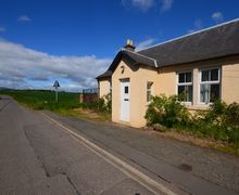 Snaptrip - Last minute cottages - Exquisite Dalkeith Cottage S7443 -
