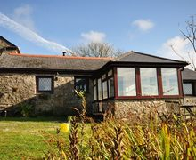 Snaptrip - Last minute cottages - Splendid Camborne Barn S7789 -