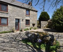 Snaptrip - Last minute cottages - Exquisite Camborne Barn S7790 -