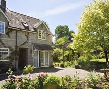 Snaptrip - Last minute cottages - Gorgeous Shaftesbury Wing S8761 -