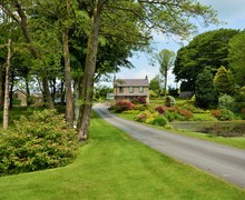 Snaptrip - Last minute cottages - Exquisite Lampeter House S7516 -