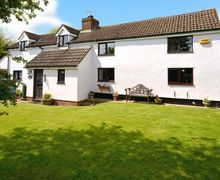 Snaptrip - Last minute cottages - Superb Akeley Cottage S7562 -