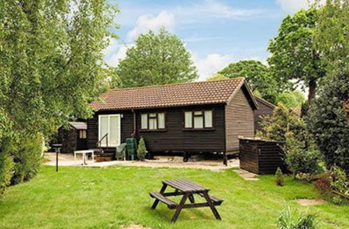Snaptrip - Last minute cottages - Quaint Horning Cottage S17388 -