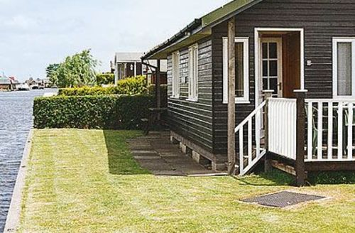 Snaptrip - Last minute cottages - Wonderful Horning Cottage S17390 -
