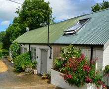 Snaptrip - Last minute cottages - Lovely Somerton Barn S13107 -