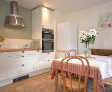 Snaptrip - Last minute cottages - Lovely Devizes Cottage S13379 -