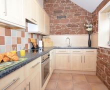 Snaptrip - Last minute cottages - Attractive Wigton Apartment S25058 -