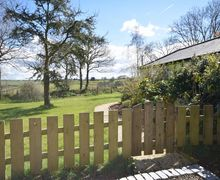 Snaptrip - Last minute cottages - Gorgeous Crediton Barn S26654 -