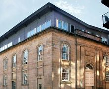Snaptrip - Last minute cottages - Excellent Glasgow Apartment S26656 -
