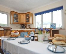 Snaptrip - Last minute cottages - Delightful Borth Bungalow S34795 -