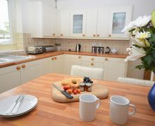 Snaptrip - Last minute cottages - Beautiful Helston Bungalow S26737 -
