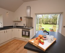 Snaptrip - Last minute cottages - Inviting Umberleigh Barn S47351 -