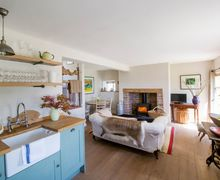 Snaptrip - Last minute cottages - Lovely Crickhowell Cottage S45935 -
