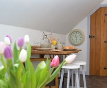 Snaptrip - Last minute cottages - Excellent Shepton Mallet Apartment S49729 -