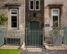 Snaptrip - Last minute cottages - Charming Grantham Wing S46140 -